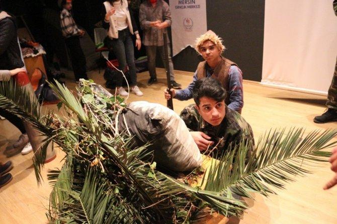 'Kıbrıs Zulmü' oyunu birincilik getirdi