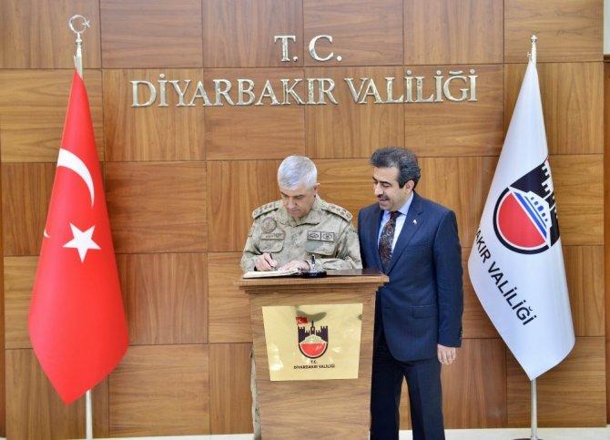 Jandarma Genel Komutanı Orgeneral Arif Çetin Diyarbakır'da