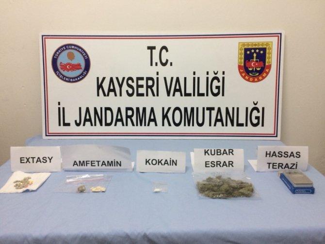 24 adreste uyuşturucu operasyonu