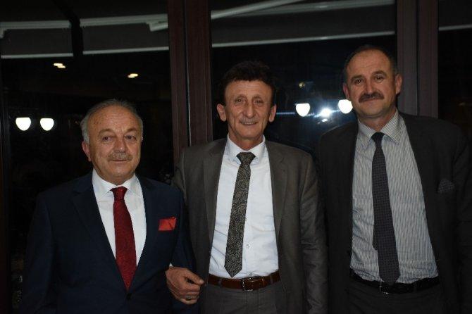 Sedat Eroğlu sevdikleriyle veda yemeğinde buluştu