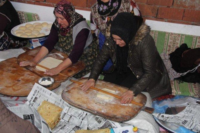Çavdarhisarlı kadınlar, Zeytin Dalı Harekatı için gözleme yaptı