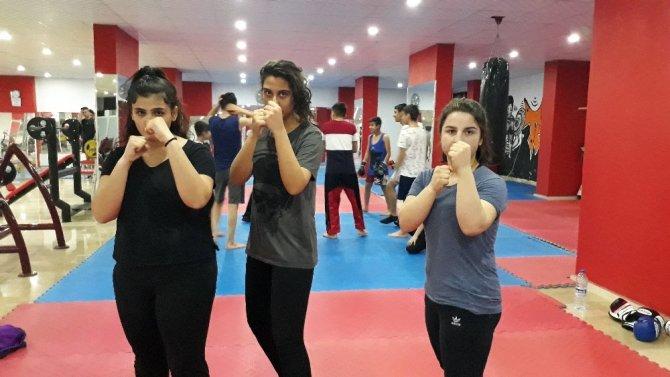 Mardinli kızlar kick boks ile çocuk gelinlere önlem arıyor