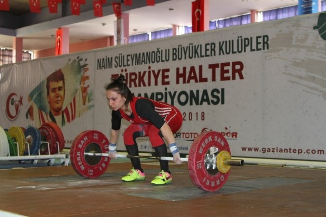 Naim Süleymanoğlu Kulüpler Türkiye Halter Şampiyonası Gaziantep'te Başladı