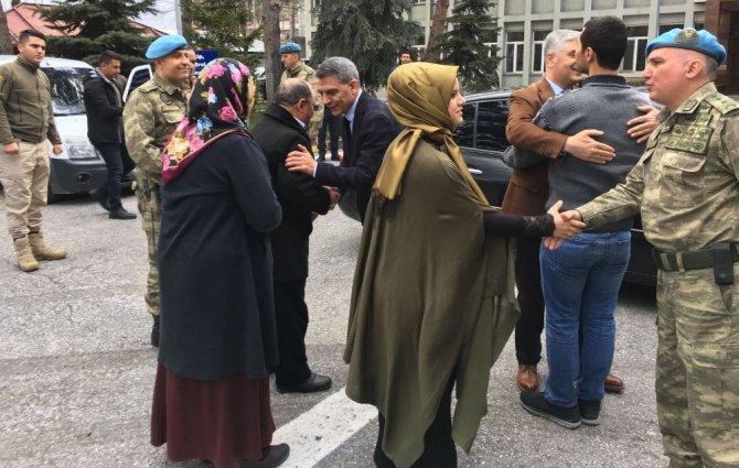 Afrin gazisi yeniden silah arkadaşlarının yanına uğurlandı