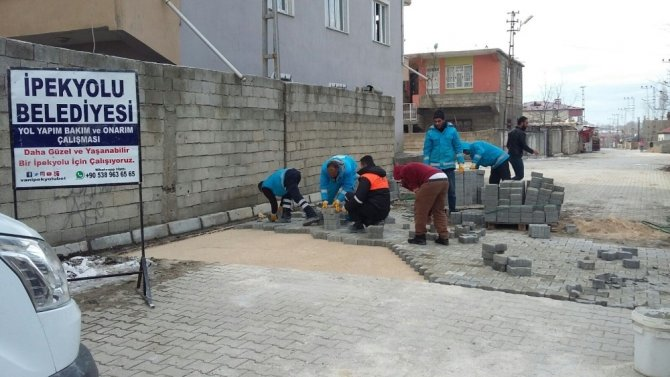 İpekyolu Belediyesinden yol bakım ve onarım çalışması
