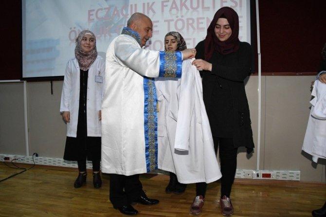 Adıyaman Üniversitesi Eczacılık Fakültesinde önlük giyme heyecanı