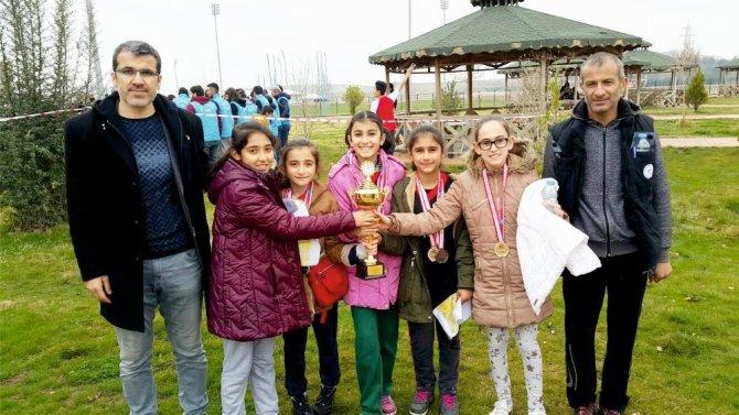 Kahta Gazi Ortaokulu dört madalyayla döndü