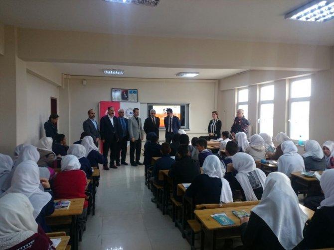 Samsatlı depremzede öğrencilere deprem bilinci eğitimi verildi