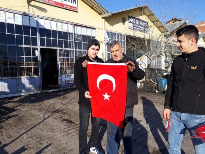 AK Parti ve MHP'den Afrin için bayrak seferberliği