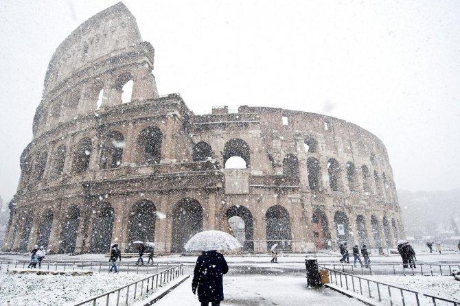 Avrupa'da Sbirya soğukları: 55 ölü