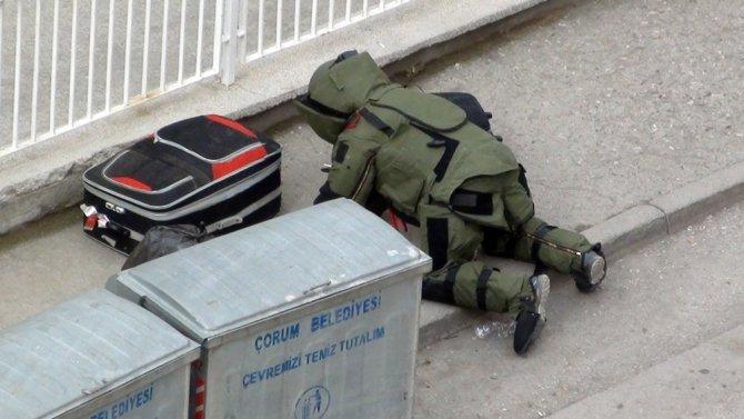 Valilik ek binasında şüpheli valiz paniği
