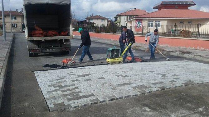 Erzincan Belediyesi yayaların ve sürücülerin emniyetini önemsiyor
