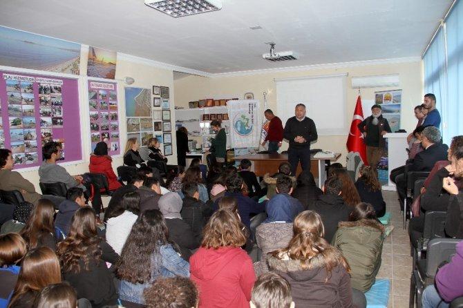Fethiye'de öğrencilere caretta carettalar anlatıldı