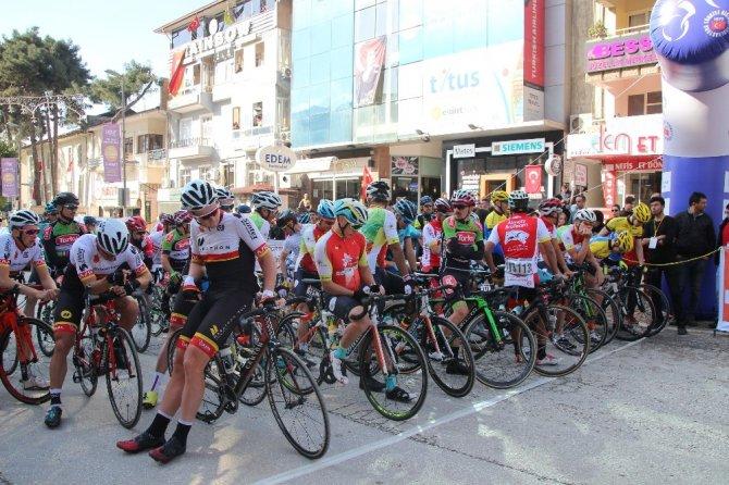 Uluslararası Akdeniz Bisiklet Turu'na Hatay'da start verildi