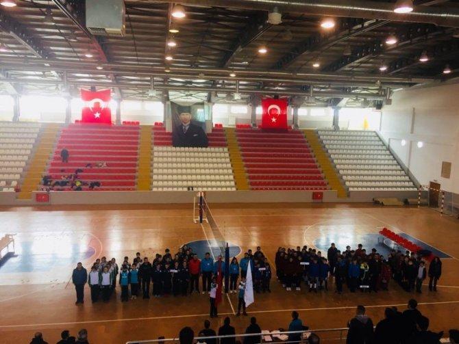 Kars'ta okullar arası voleybol turnuvası başladı