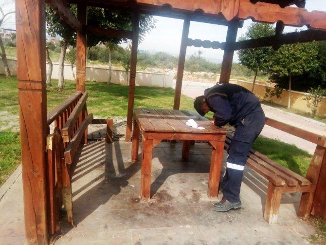 Mezitli'de belediye hizmetleri tahrip edilerek çalındı