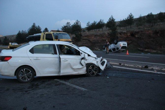 Şanlıurfa'da trafik kazası: 1'i ağır 5 yaralı