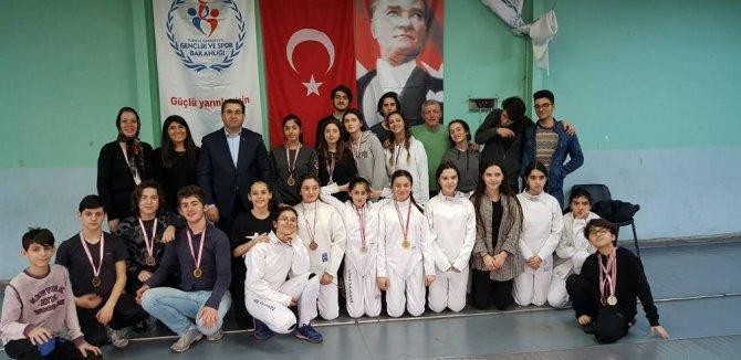 Trabzon'da eskrim sporuna olan ilgi artıyor, milli sporcu sayısı yükseliyor