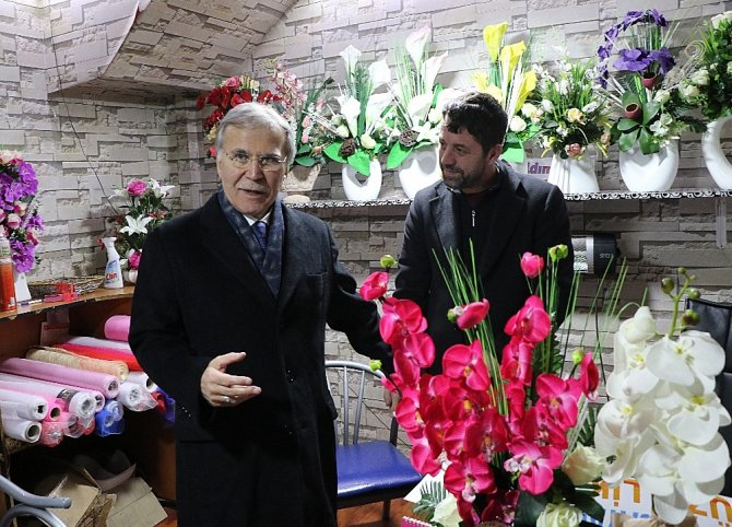 Milletvekili Şahin, esnafı ziyaret etti