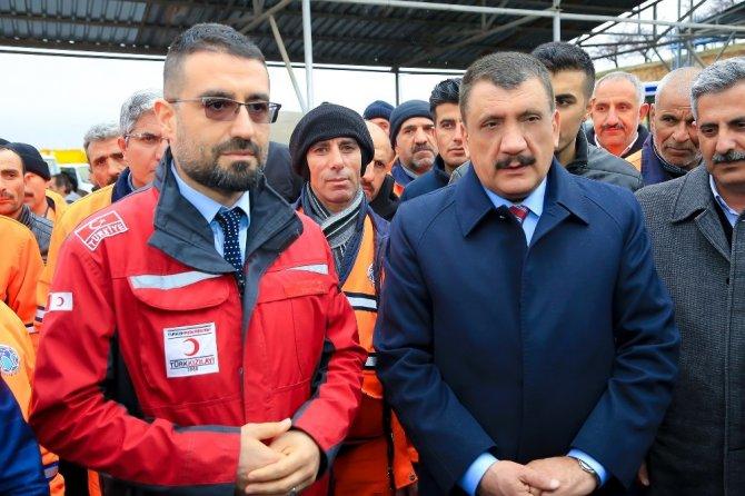 Temizlik işçilerinden Mehmetçik için kan bağışı