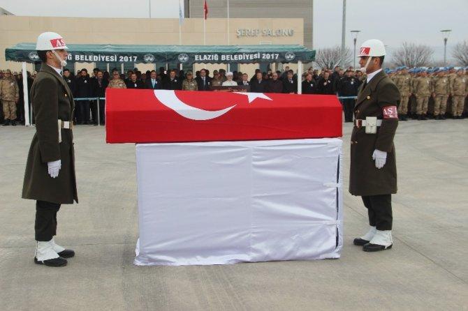 Bingöl şehidi, memleketi İzmir'e uğurlandı