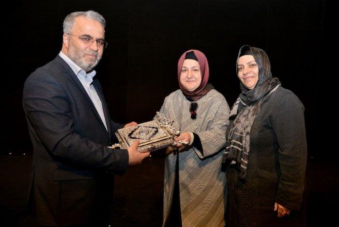 Kadınlara 'Adalet' konferansı verildi