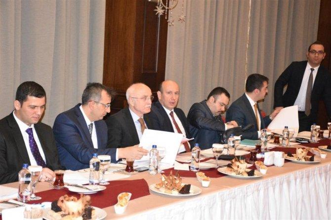 Mardin'de vatandaş odaklı hizmet seferberliği toplantısı
