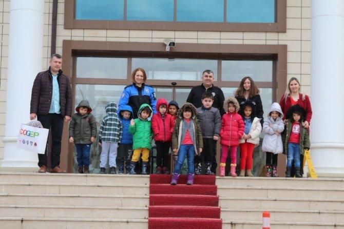 Minik öğrenciler Polisleri ziyaret etti