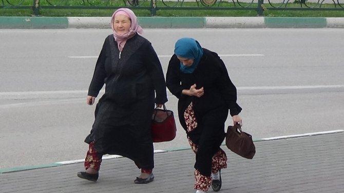Lodos Bursa'da vatandaşları dans ettirdi