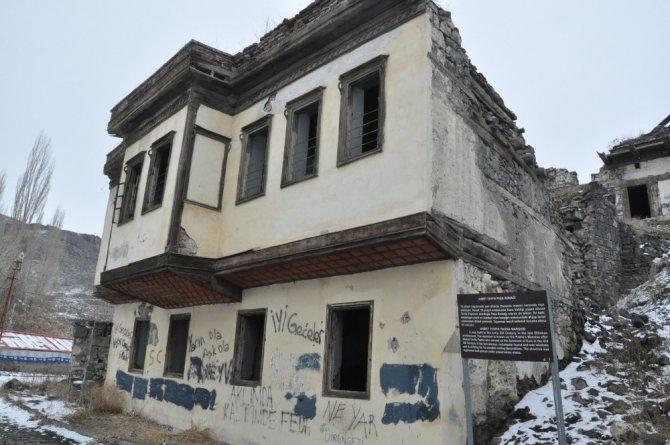 Tarihi Ahmet Tevfik Paşa Konağı yıkılıyor