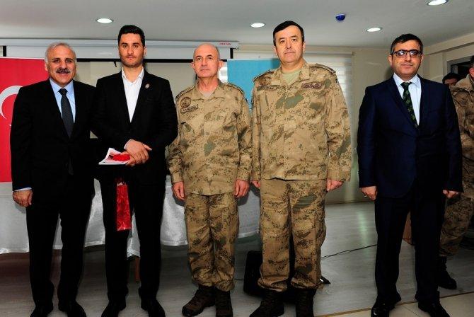 Vali Zorluoğlu, terörle mücadele gazisine rozet taktı
