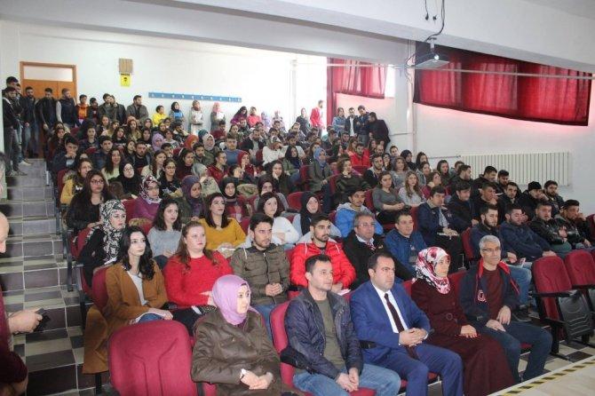 Üniversite öğrencilerine, evlilik öncesi eğitim semineri