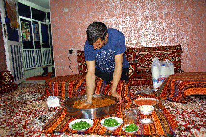 Hizan'da çiğköfte etkinliği