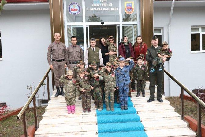 Minik kalplerden Afrin'deki askerlere hediye