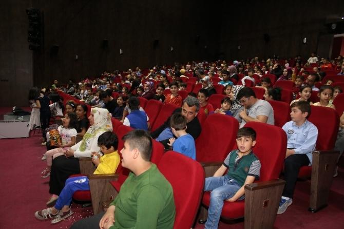 Ücretsiz animasyon filmlerine çocuklardan yoğun ilgi