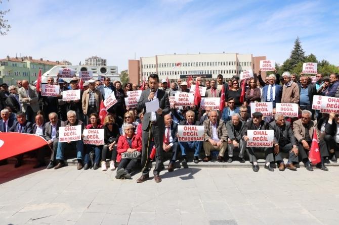 CHP'den 'Ohal Değil Demokrasi İstiyoruz' Eylemi