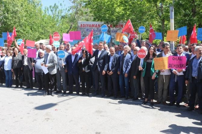 CHP Adıyaman'da oturma eylemi yaptı