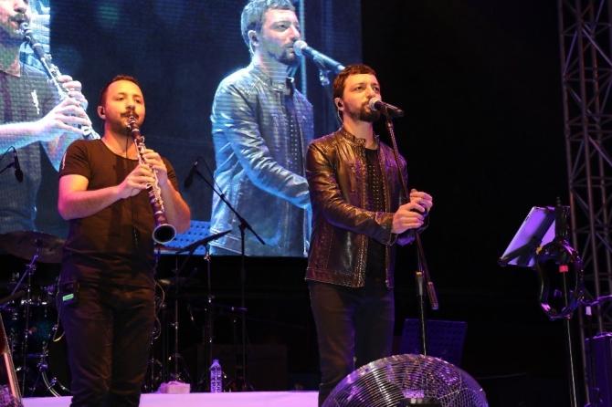 1. Şarampol Şenliği Mehmet Erdem konseri ile sona erdi