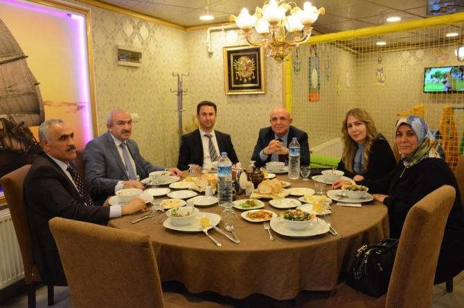 Belediye Başkanı Murat Gürbüz Sağlık çalışanları ile yemekte bir araya geldi