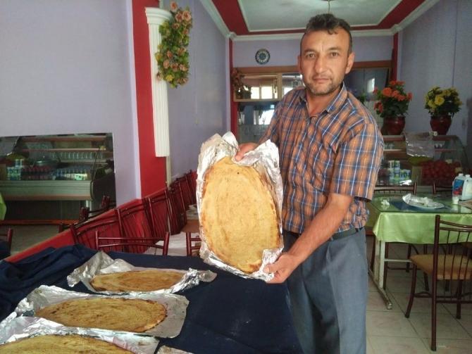 Hisarcık'ta bir ilk, iftarlık tahinli pide
