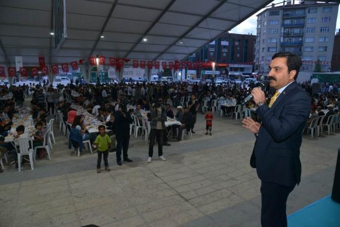Belediye'den 2 bin kişiye aynı anda iftar