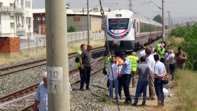 Liseli genç, trenin çarpmasıyla can verdi