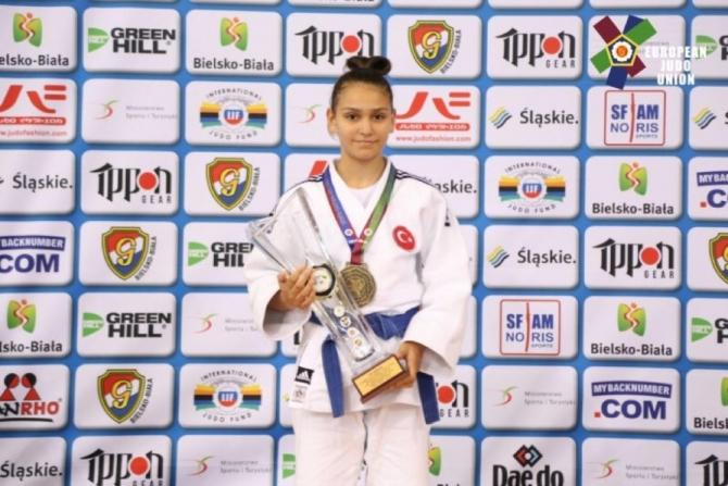 Kocaelili judocular Avrupa'dan madalya ile döndü