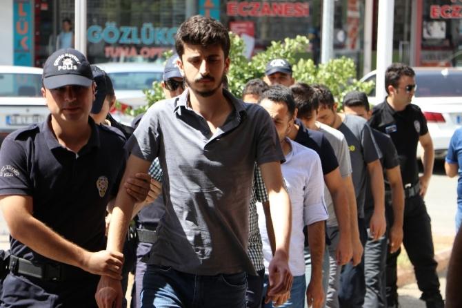FETÖ'den gözaltına alınan asker sayısı 14'e yükseldi
