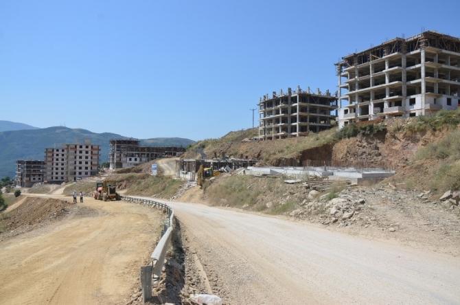 Büyükşehirin asfalt ve yol hamlesi devam ediyor