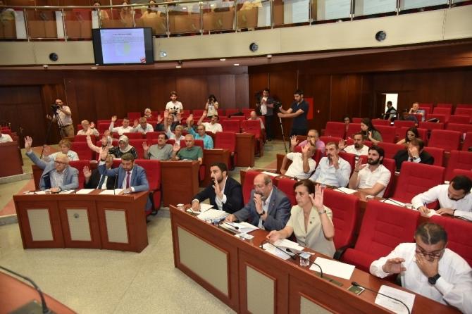 İzmit Belediyesi Meclisi'nde 21 gündem maddesi görüşüldü