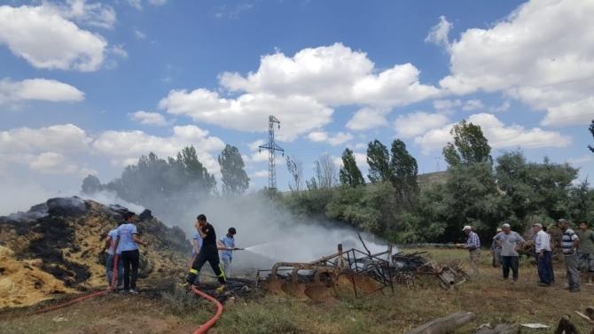 Köyde korkutan yangın