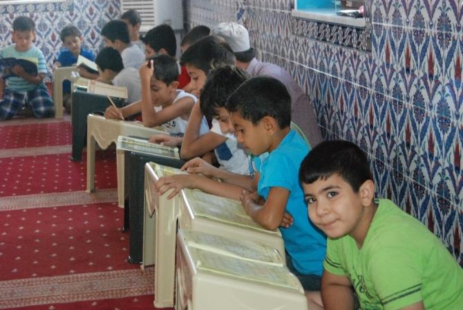 Çocukların Kuran-ı Kerim'i öğrenme sevinci