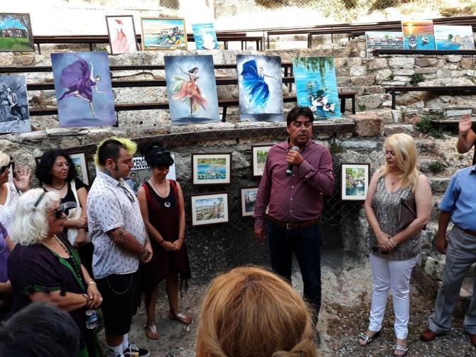 Foça'da, hayatını kaybeden ressam için sergi vefası