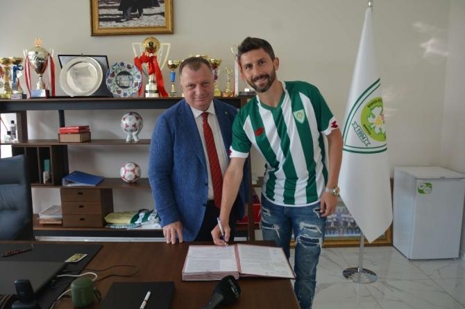 Manisa Büyükşehir Belediyespor'a tecrübeli stoper